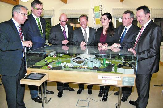 Artikel der Rhein-Neckar-Zeitung über die Ausstellungseröffnung: Wie funktioniert eine Biogasanlage?